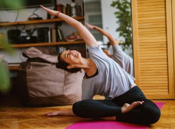 Йога на карантине: всё для практики дома