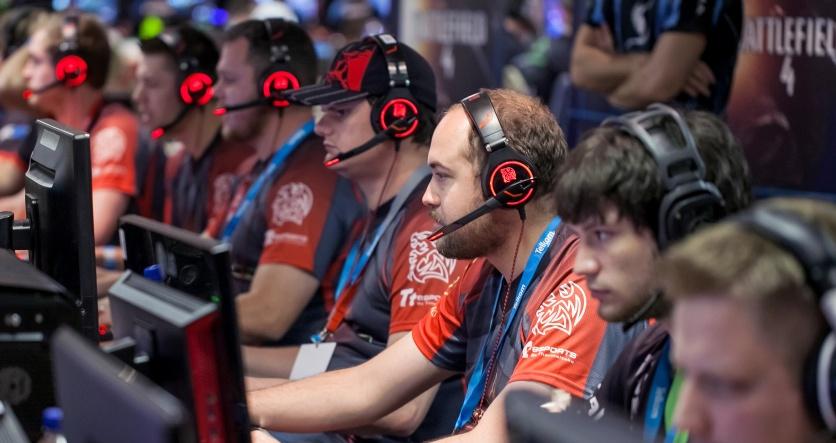 Товары для киберспорта и гейминга в России стали популярнее в 10 раз