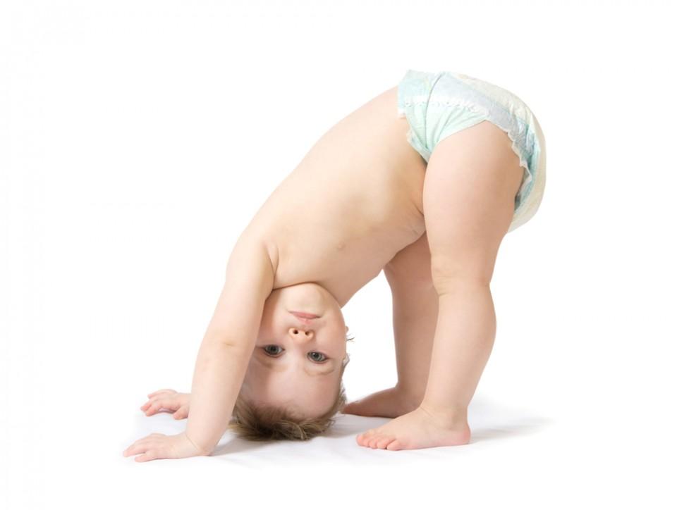 Ребенок в подгузнике