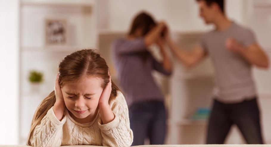 Бьёт — не значит любит: что делать, если вы оказались в ситуации насилия
