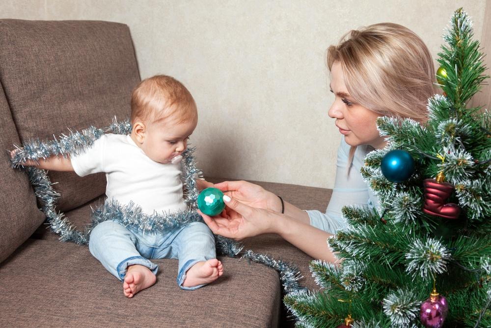 С Новым годом, крошка! Чем занять малыша в праздничную ночь?