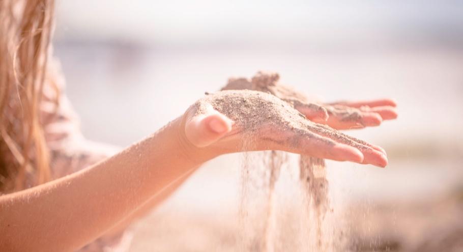Не только лопатка и ведёрко: песочная терапия с детьми