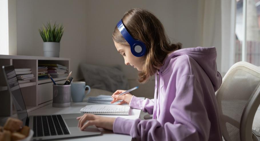 Когда компьютер — это полезно. Летние онлайн лагеря для детей