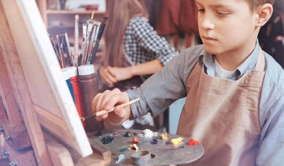 Как подружить ребёнка с современным или классическим искусством?