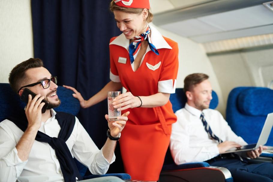 Рассказываем о мире: как работает стюардесса?