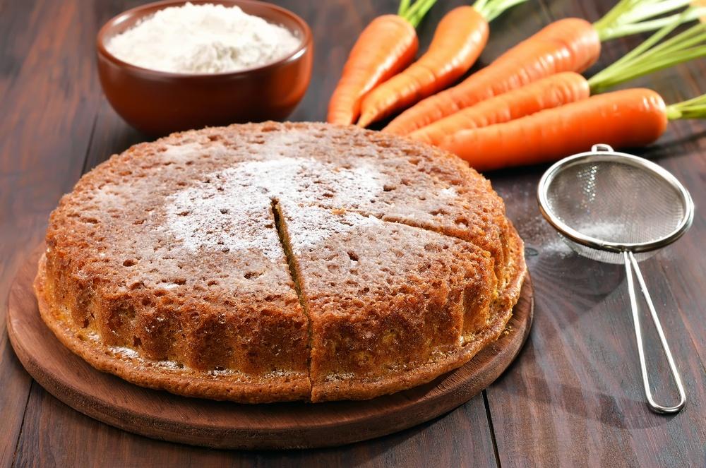 Морковно-ореховый пирог — минимум масла, максимум вкуса!