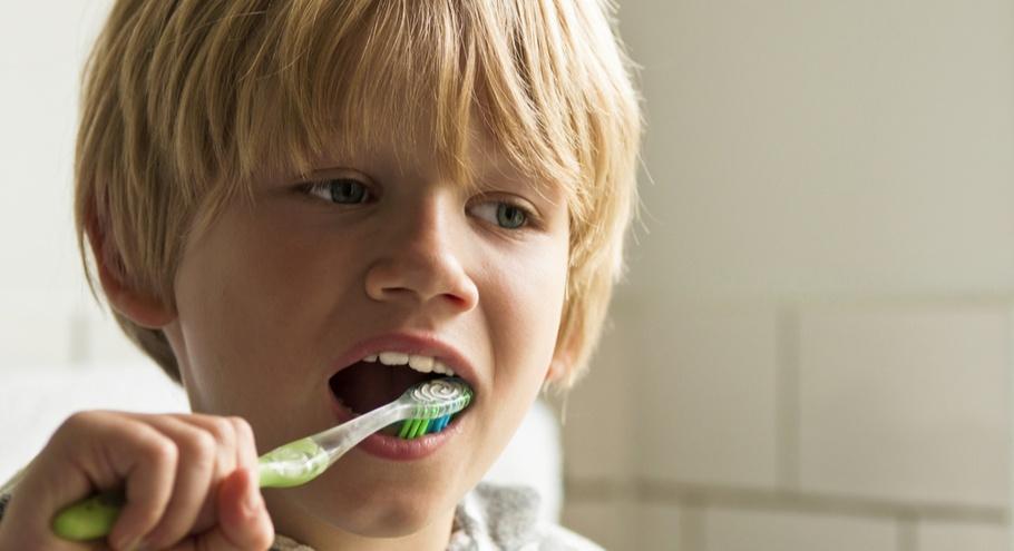 13 советов, как научить ребёнка правильно чистить зубы