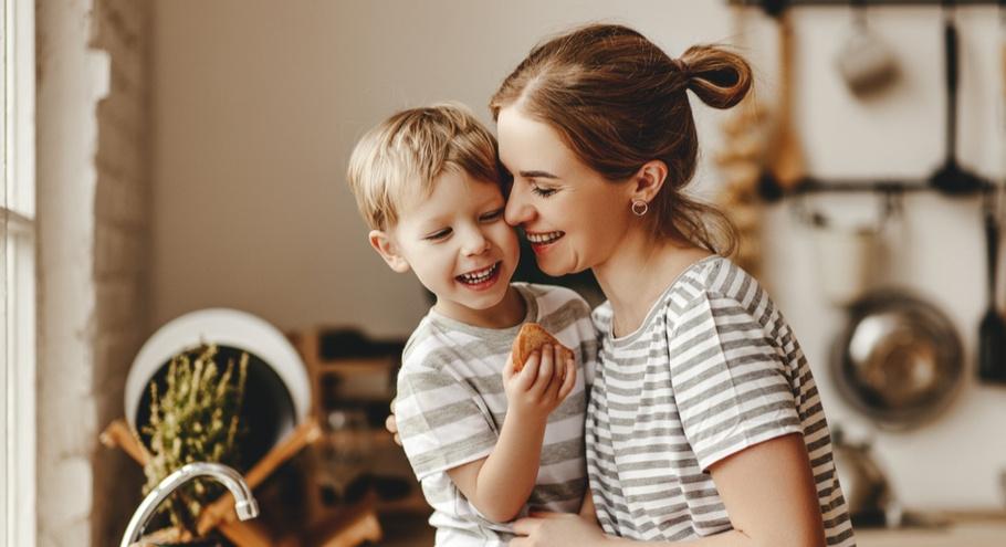 С мамой — на рыбалку! Как растут мальчики в семьях без отца
