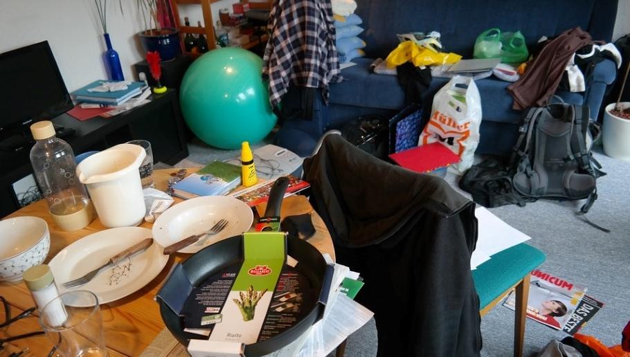 Личные границы подростка и беспорядок в его комнате — какая связь?