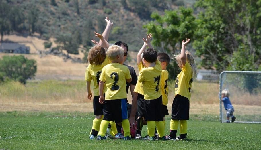 Проигрывать с достоинством — как научить этому ребёнка?