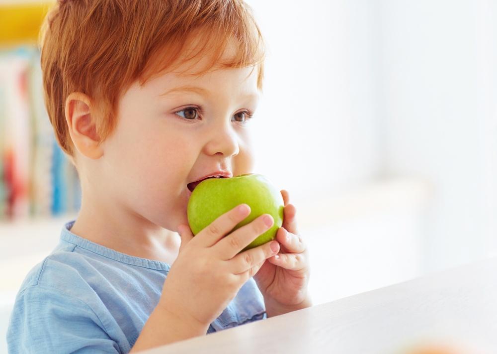 Почемучка: отчего темнеет откушенное яблоко?