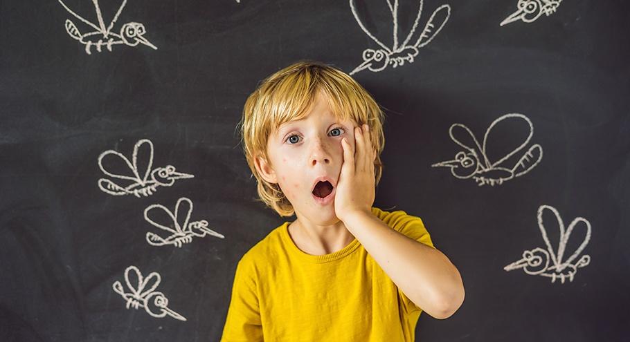 Как помочь ребёнку после укуса насекомого?