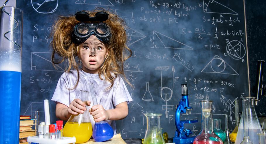 Играем в химиков: интересные наборы для домашних опытов