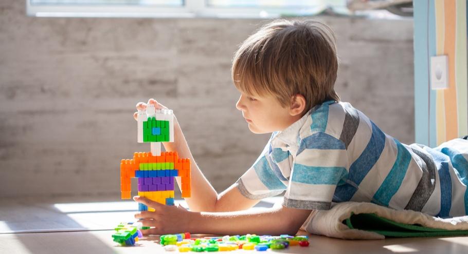 Конструктор для ребёнка: как выбрать по возрасту?