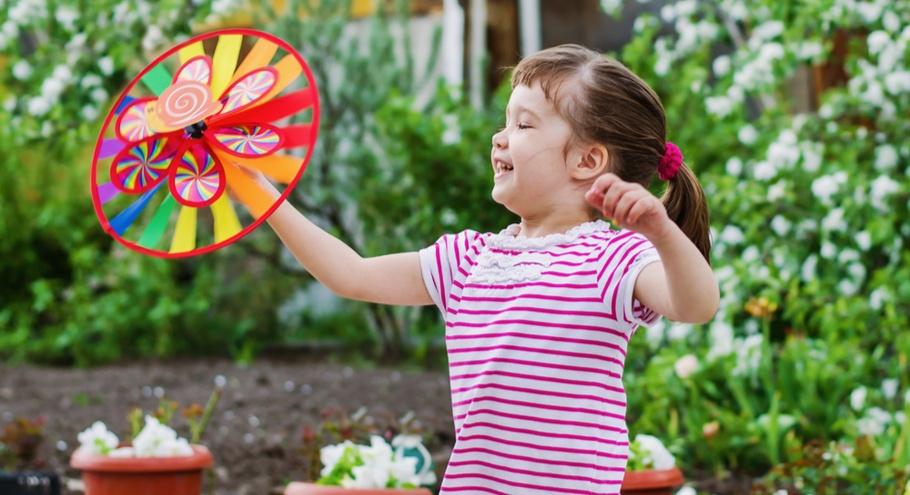 7 весёлых игр, в которые можно поиграть на даче во дворе