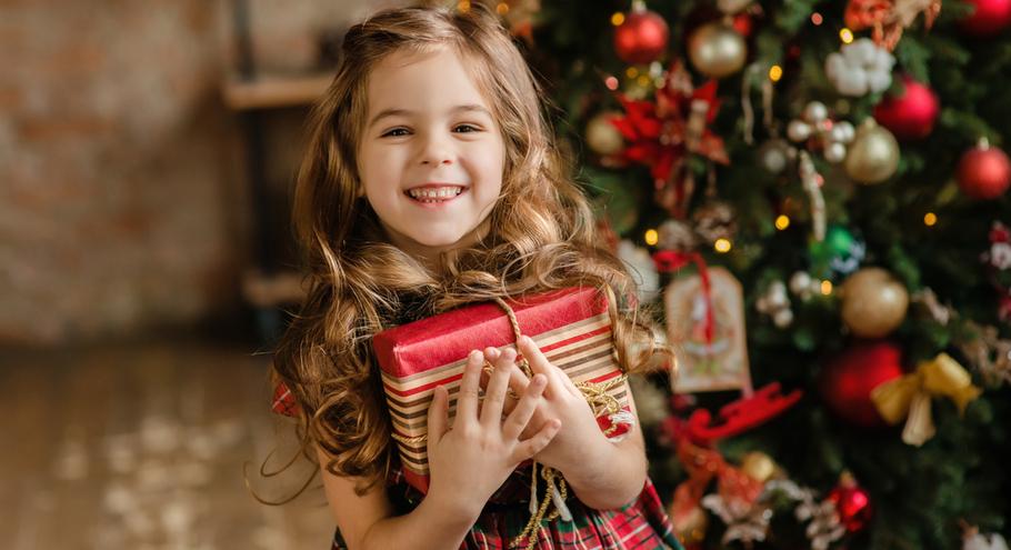 Список подарков на Рождество от 10-летней девочки удивил Сеть