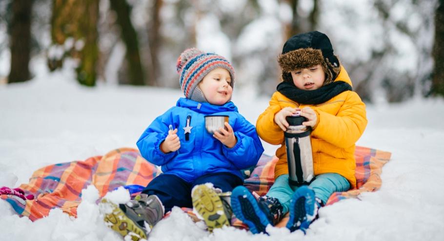 Подавать горячим: выбираем термос и термосумку для ребёнка