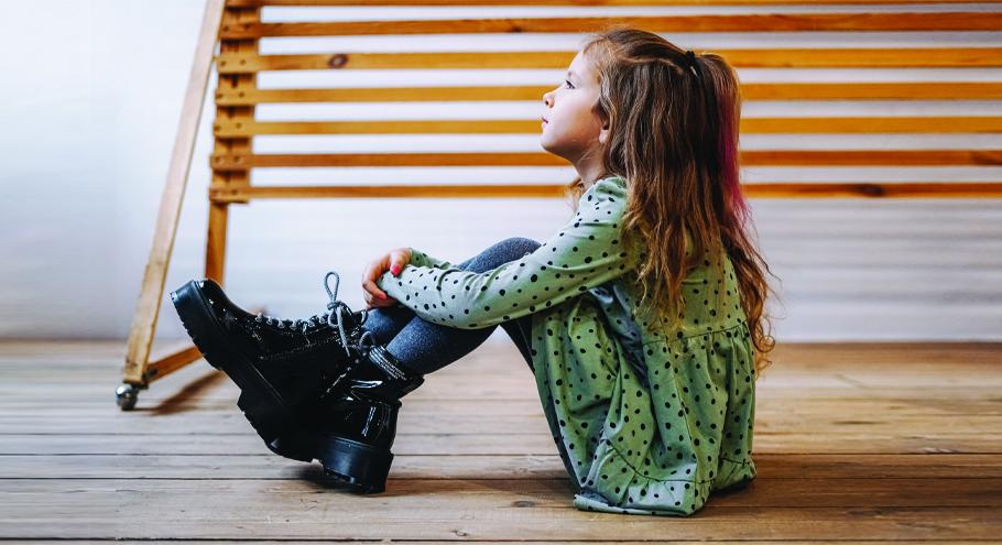 Детская и подростковая обувь из экокожи: чем она хороша?