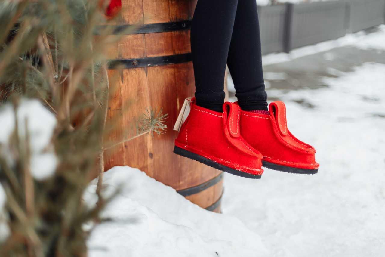 Обувь из войлока: тепло, легко и не скользко