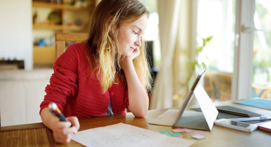 Как помочь ребёнку втянуться в учёбу после выходных