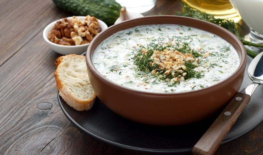 Таратор — болгарский холодный суп