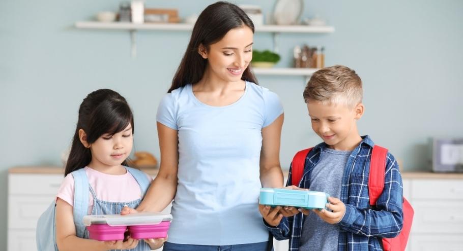 Полезные и вкусные перекусы: что предложить с собой ребёнку в школу