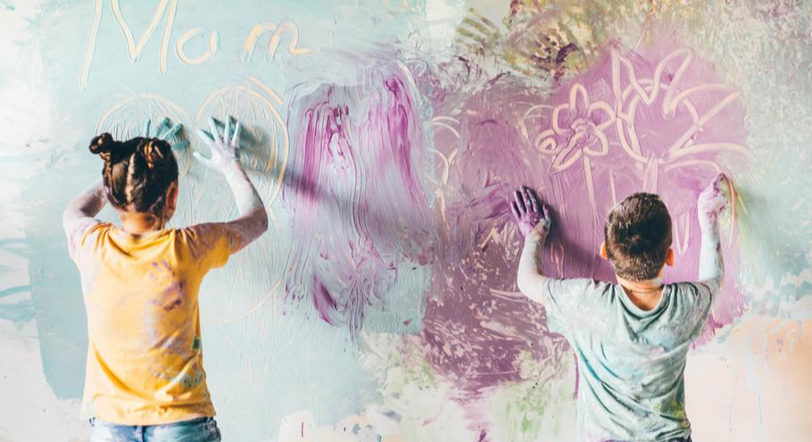 Ребёнок рисует на стенах: талант или хулиган?