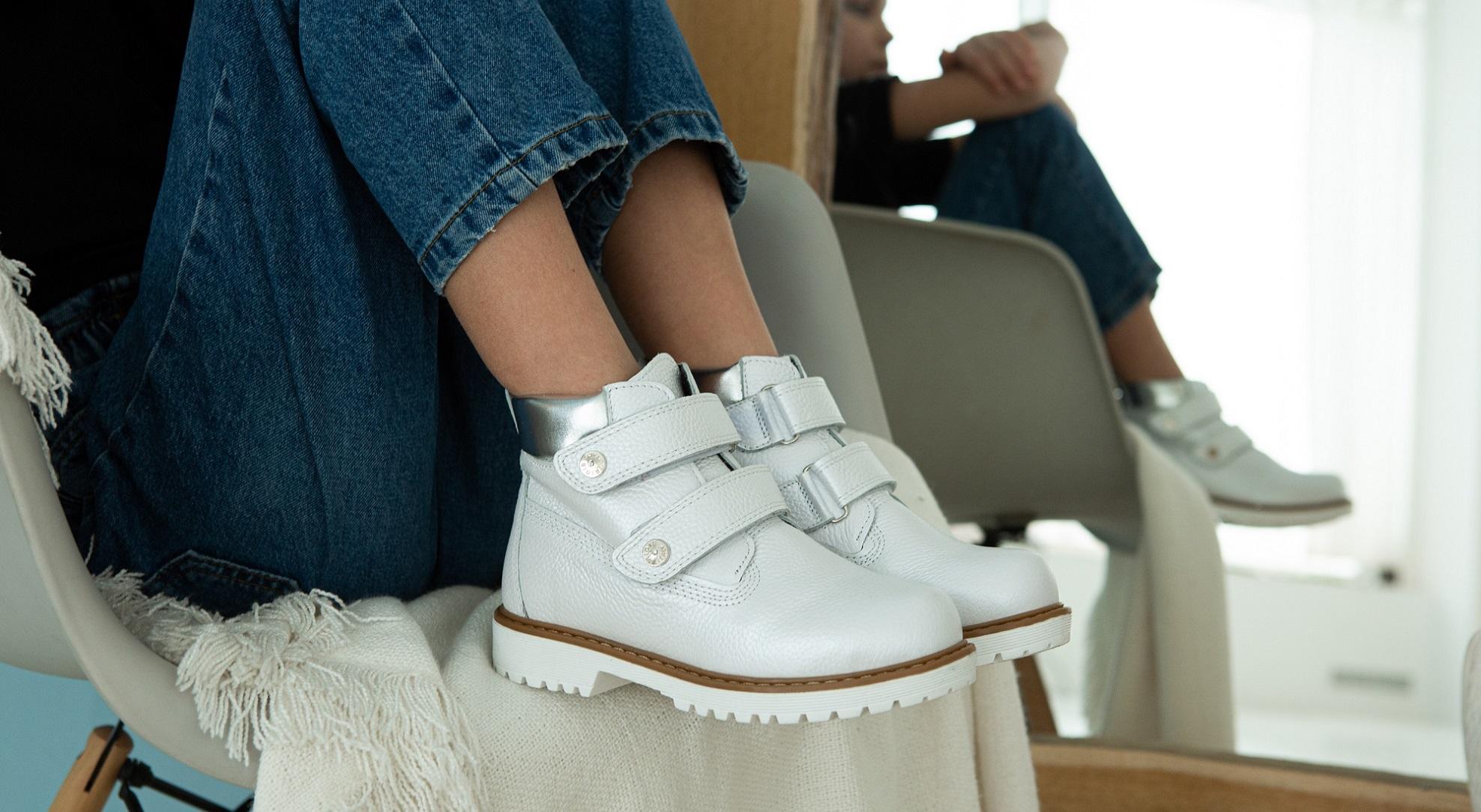 На что стоит обращать внимание при покупке детской и подростковой обуви