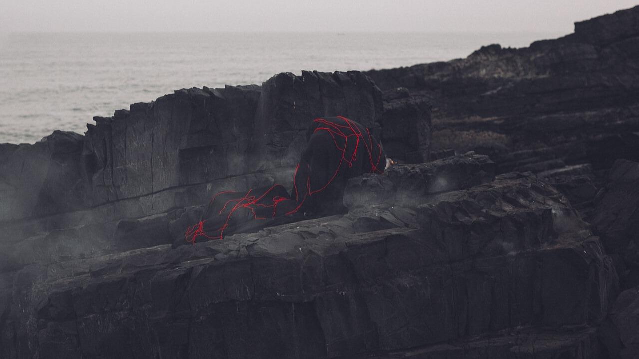 Красная нить желаний - магический оберег всех времён и народов.