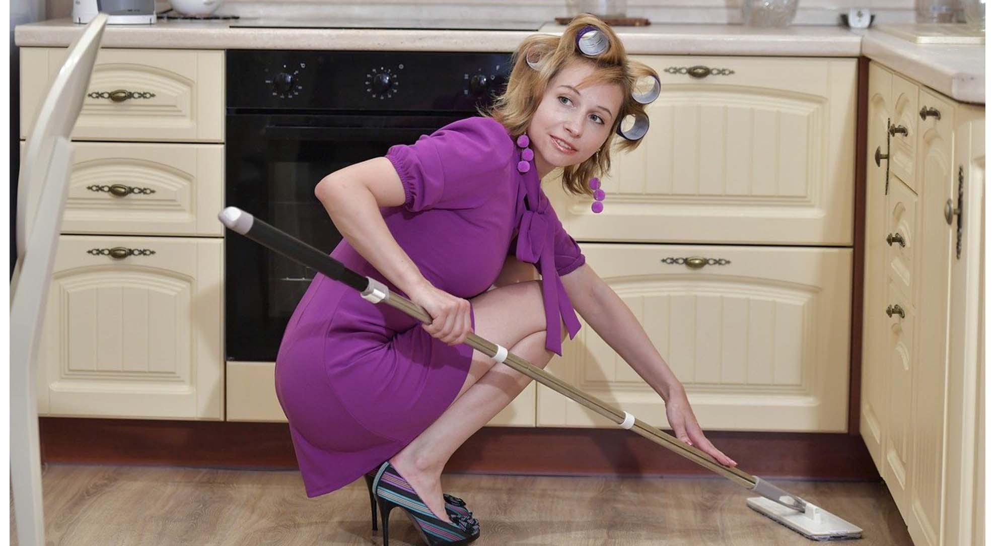 Как маме малыша сделать уборку дома: 9 полезных советов