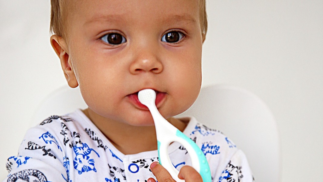 Как приучить его хорошо чистить зубы и любить этот процесс?