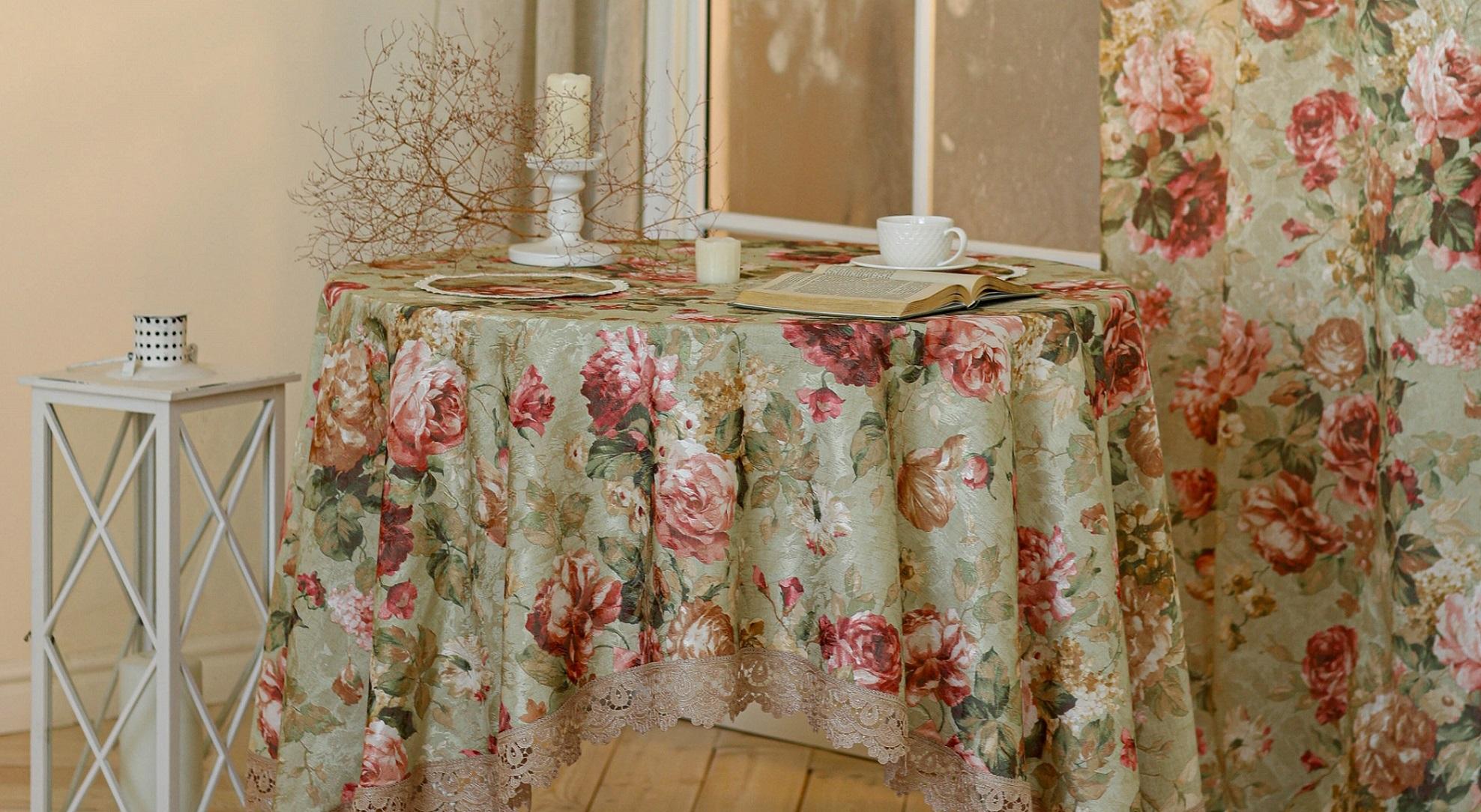 Благородные и изящные комплекты штор и скатерти