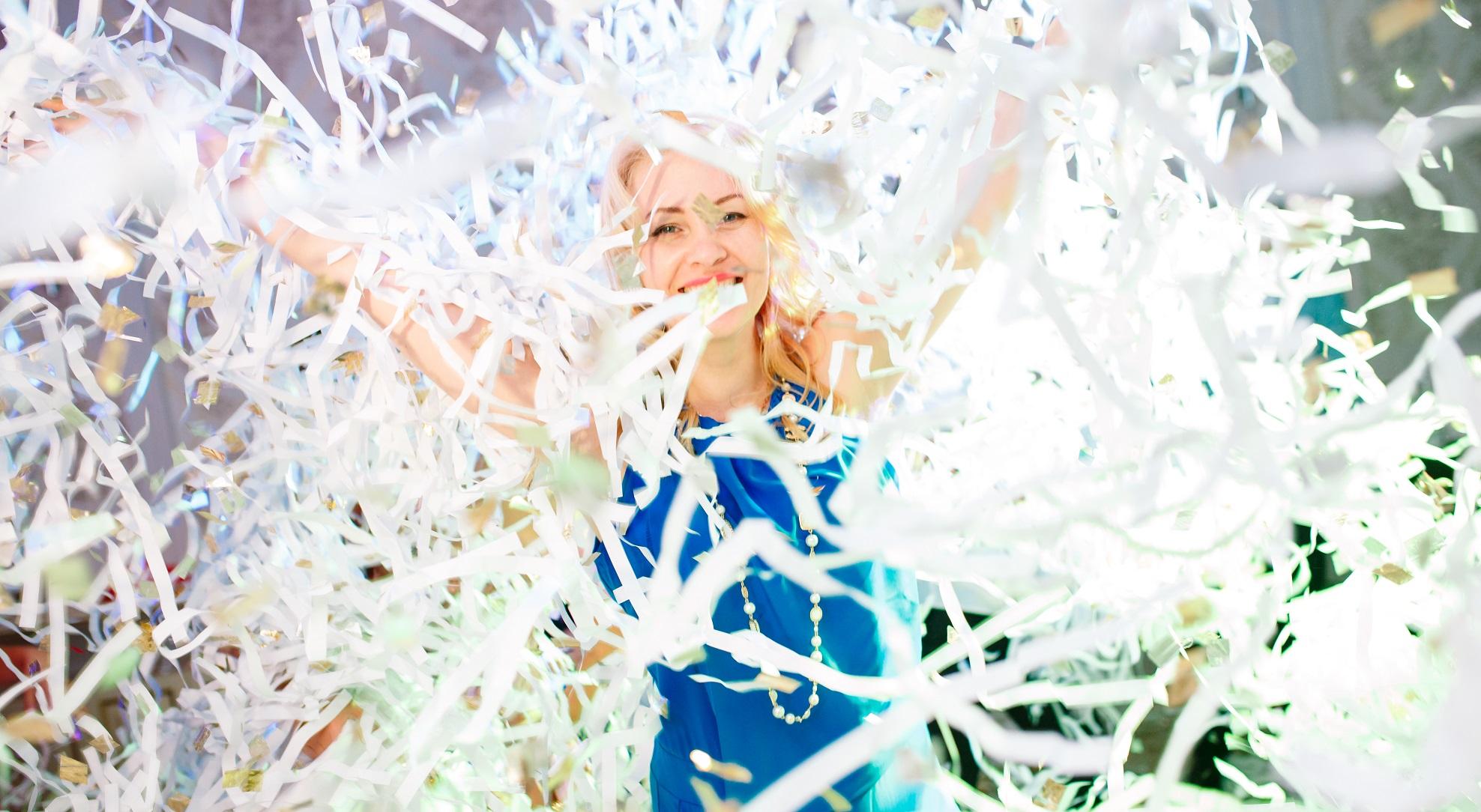 """Бумажное шоу """"Сегодня праздник!"""" - драйв, веселье и море положительных эмоций!"""