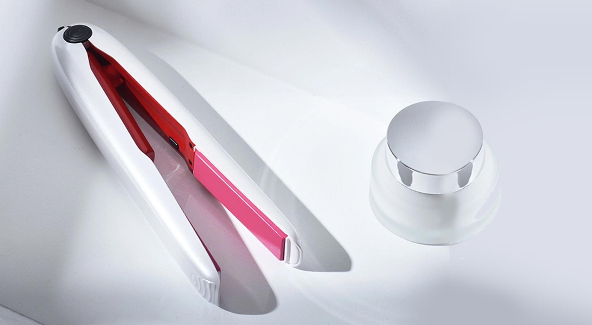 Утюжок для выпрямления волос: Стилист в кармане.