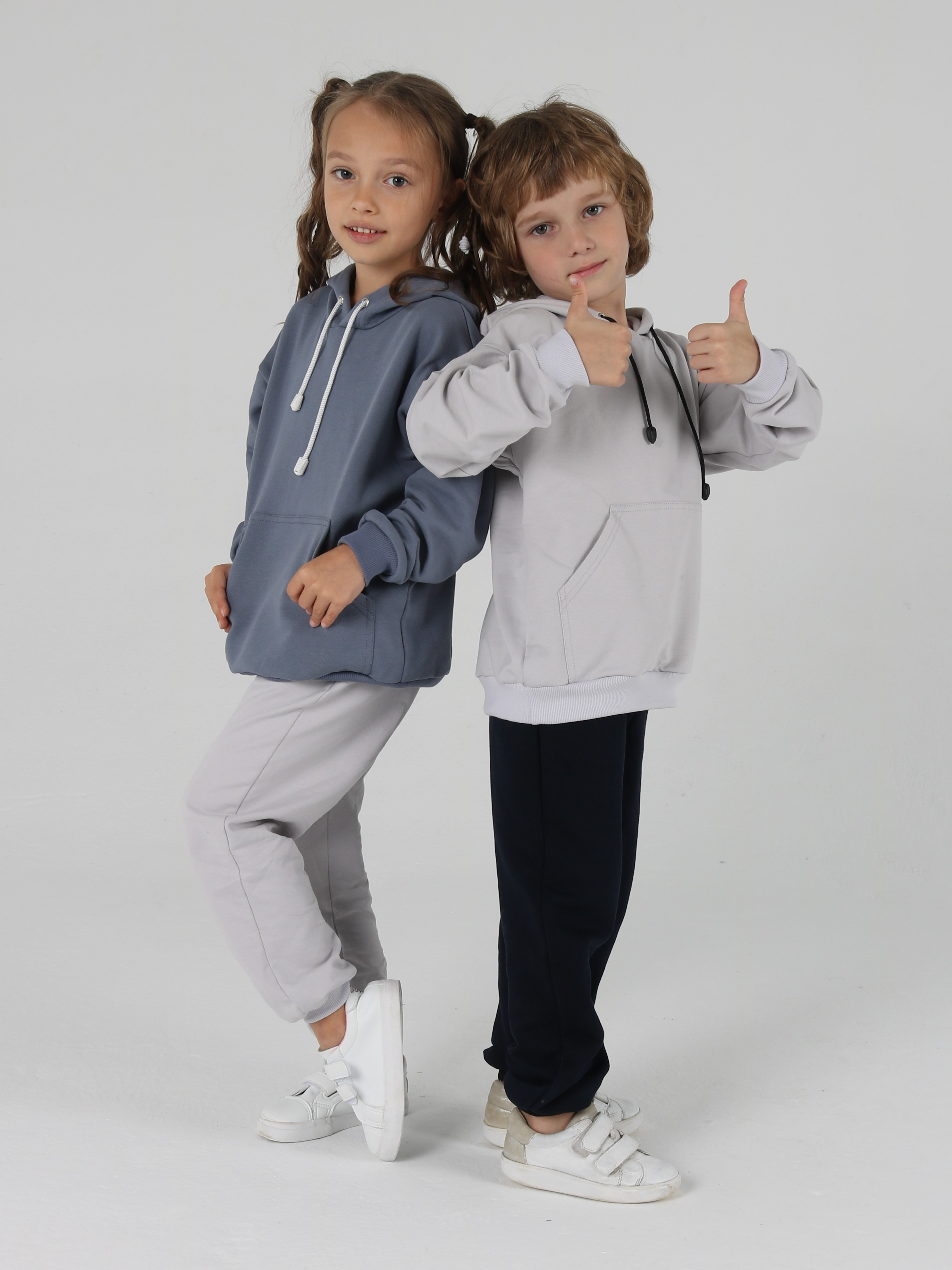Удобная одежда для детей из натуральных тканей.